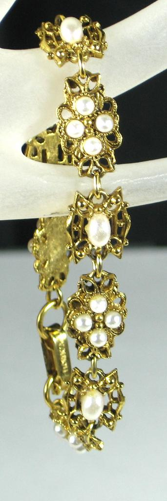 Florenza Imitation Pearl & Gold Tone Metal Bracelet