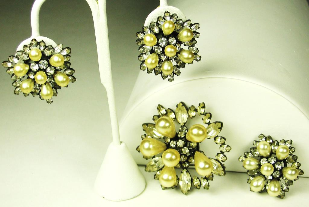 Schreiner Rhinestone and Imitation Pearl Two Pin and Earrings Set