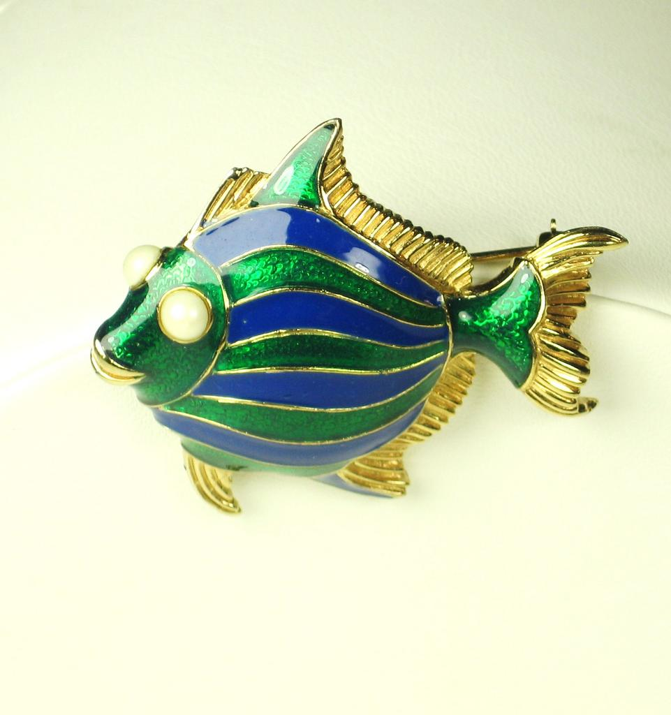 Ciner Enamel Smiling Fish Pin with Imitation Pearls