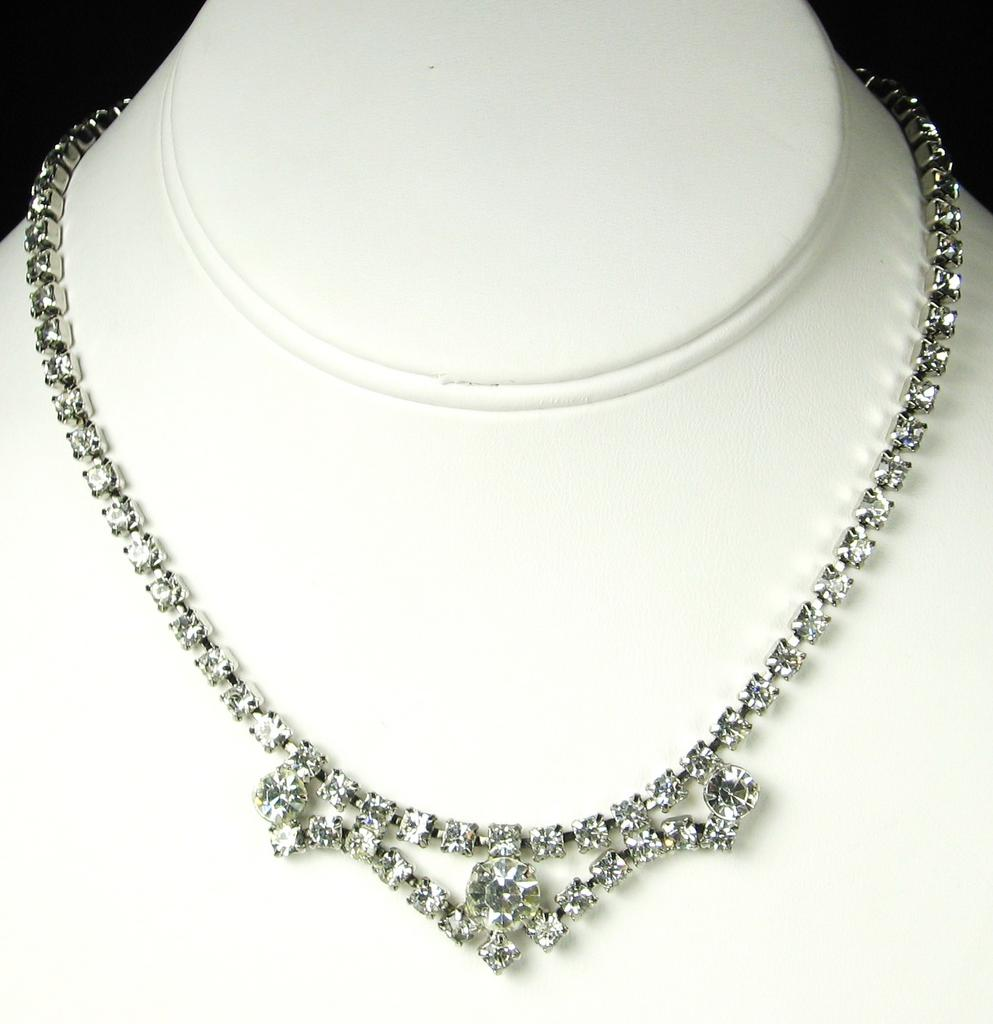 Vintage Trifari White Rhinestone Necklace