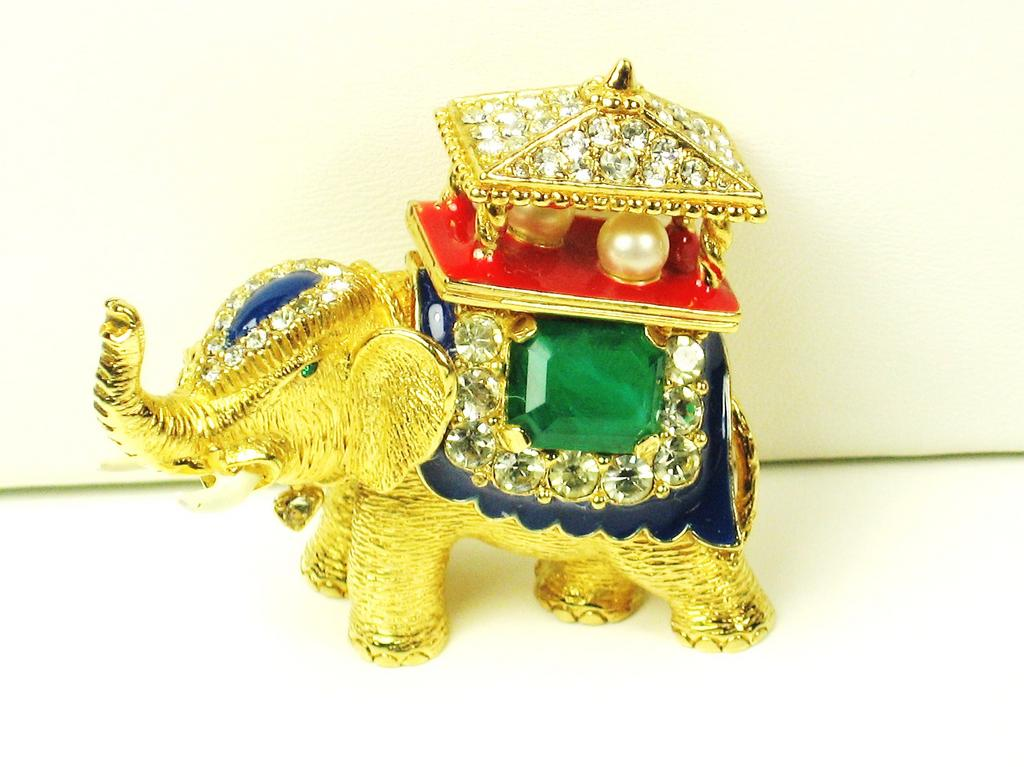 Ciner Swarovski Crystal Elephant Pin with Imitation Pearls