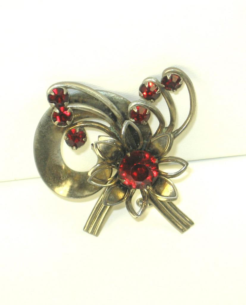 Vintage Red Brilliant Cut Gemstone Pin