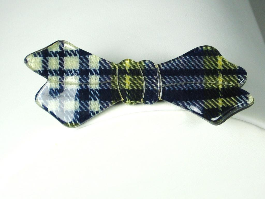 Vintage Laminated Plastic Plaid Bow Pin