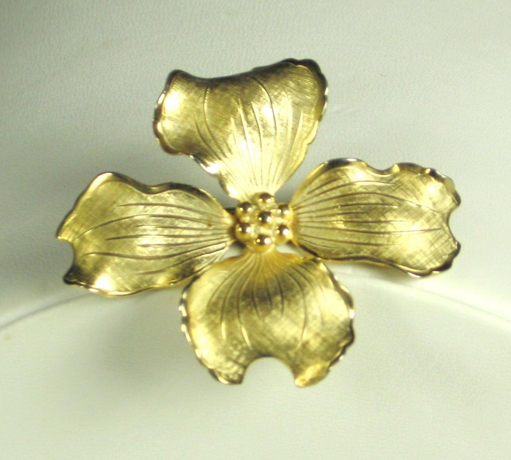 Vintage Giovanni Flower Pin