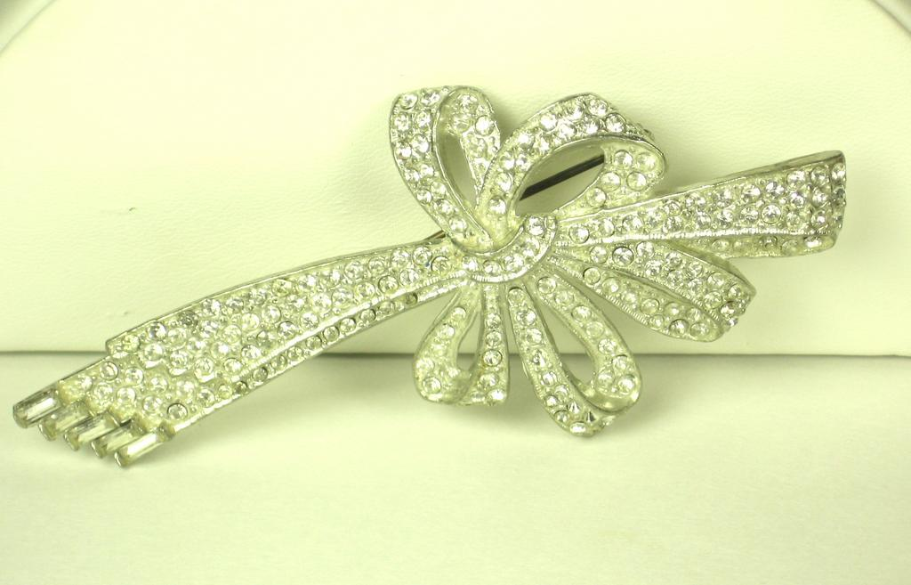 Old Art Deco Rhodium Plated Rhinestone Ribbon Pin