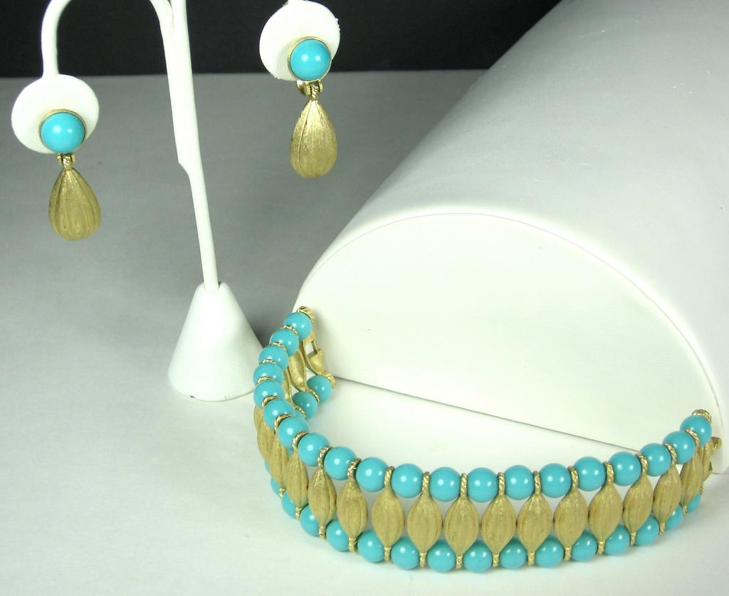 Vintage Trifari Turquoise Colored Plastic Cleopatra Bracelet and Earrings Set