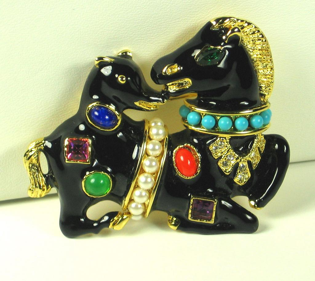 Kenneth Jay Lane Imitation Pearl and Black Enamel Horse and Hound Pin