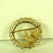 1/20 14kt Gold Filled Curtis Jewelry Manufacturing Company Floral Pin