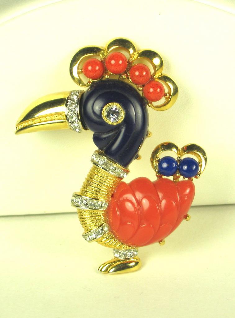 Hattie Carnegie Rare Parrot Pin