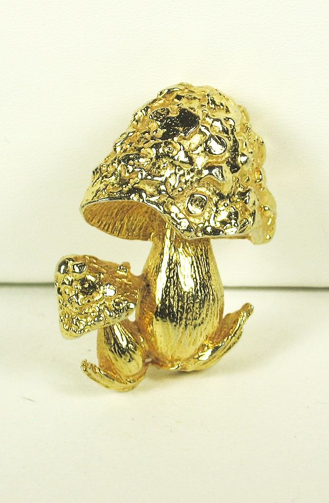 Vintage Hattie Carnegie Gold Plated Mushrooms Brooch