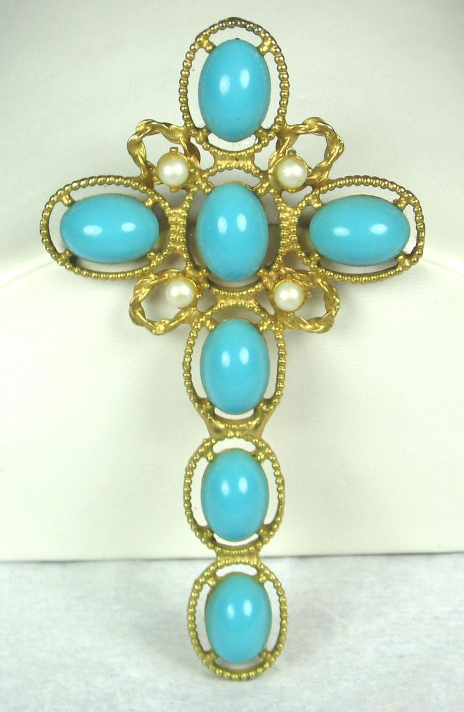 Hattie Carnegie Turquoise Colored Plastic and Imitation Pearl Cross Pendant