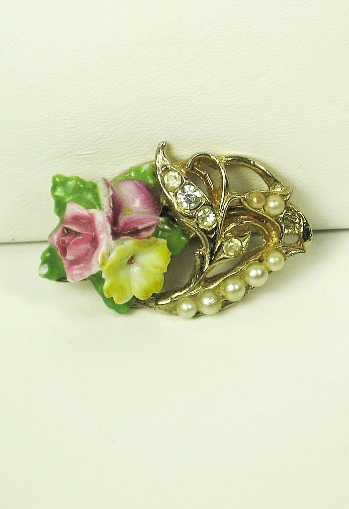 Coro Imitation Pearl and Enamel Floral Pin