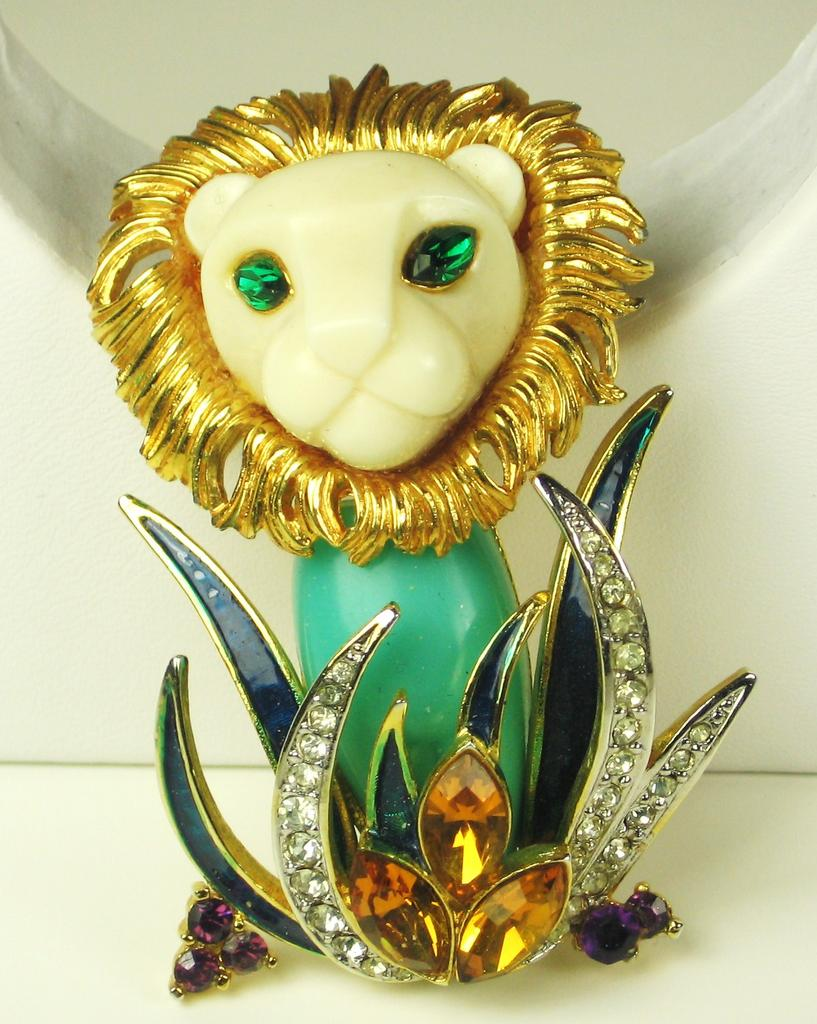 Rare Hattie Carnegie King of the Jungle Lion Pin