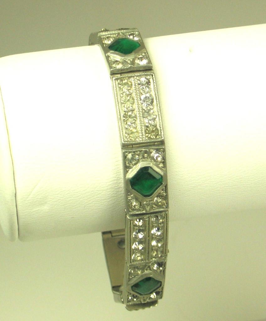 Art Deco 1920s French Emerald Green Paste Bracelet