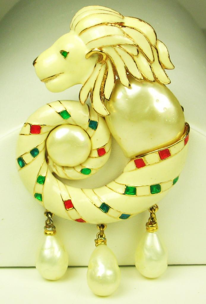 Hattie Carnegie K.J.L. Enamel Lion Head Pendant Brooch with Imitation Pearls