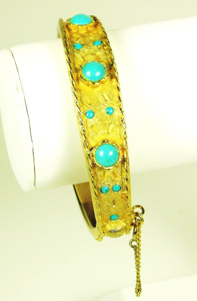 Hattie Carnegie Turquoise Colored Glass Bracelet