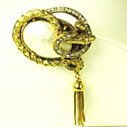 Hattie Carnegie Imitation Pearl Snake Body Pin