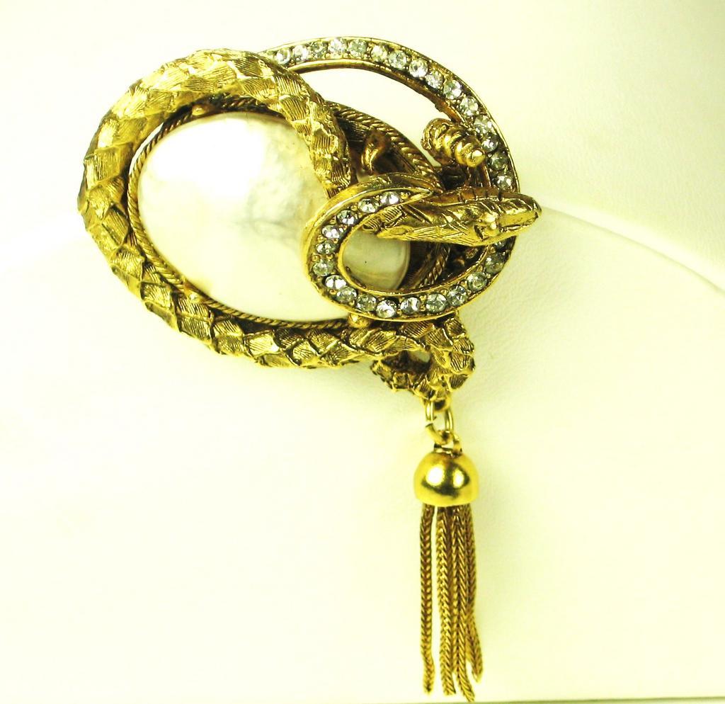 Hattie Carnegie Imitation Pearl Snake Body Pin