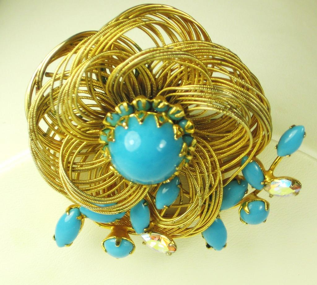 Hattie Carnegie Open Wire Turquoise Colored Glass Floral Pin