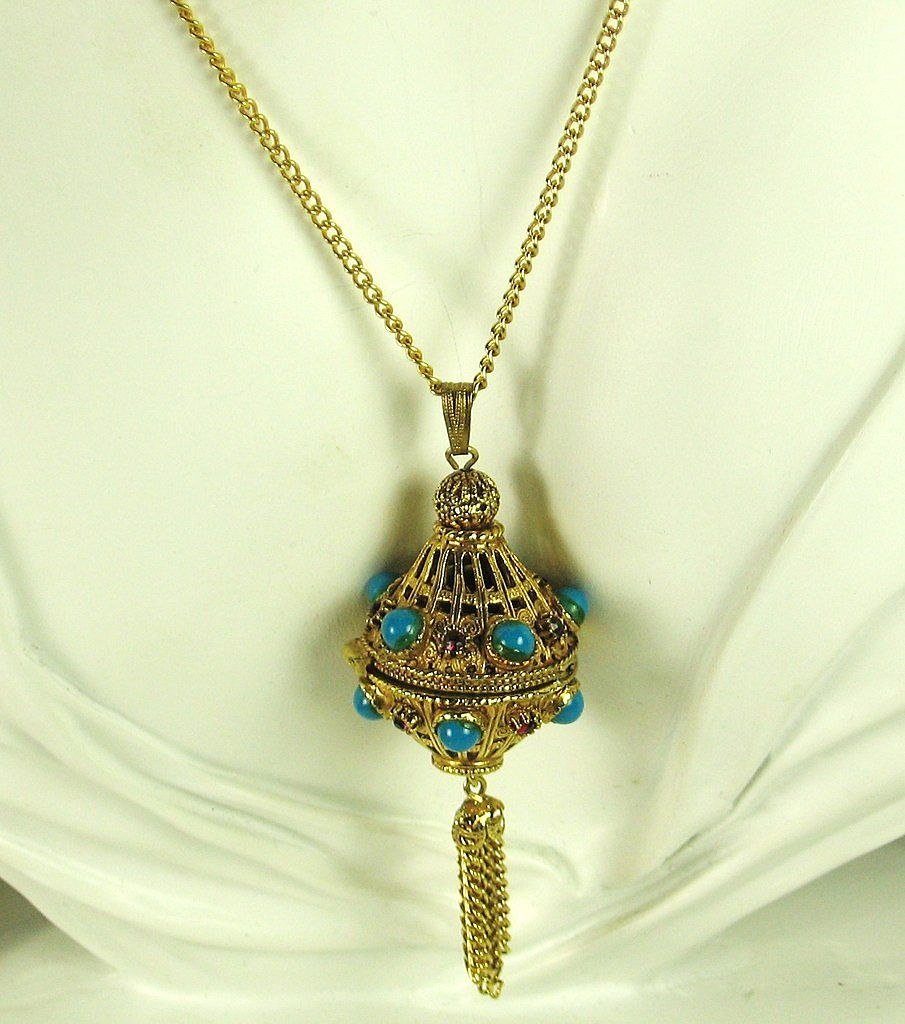 Florenza Gold Plated Filigree Vinaigrette Perfume Holding Pendant Necklace