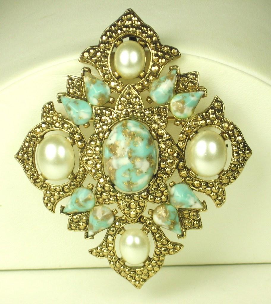 Sarah Coventry Rhodium Plated Metal, Art Glass, and Imitation Pearl Pendant Pin