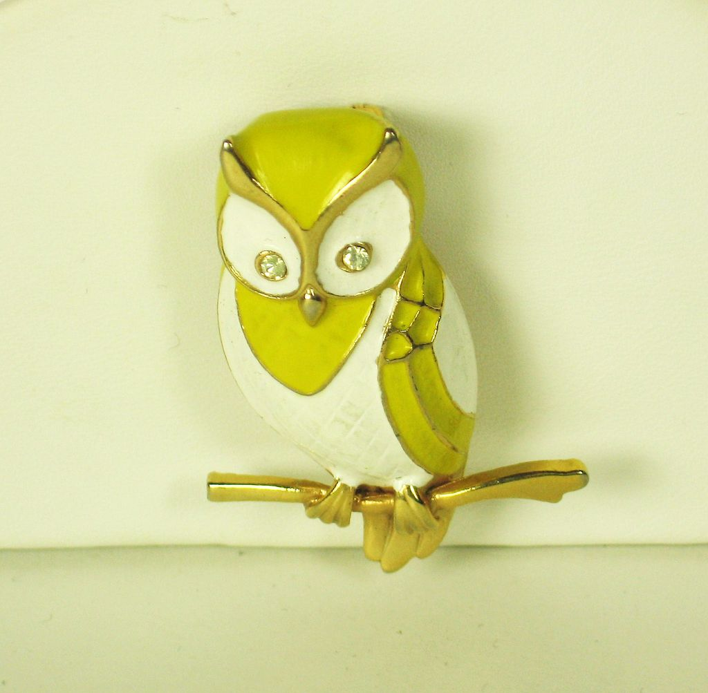 Vintage Boucher Yellow and White Enamel Owl Pin