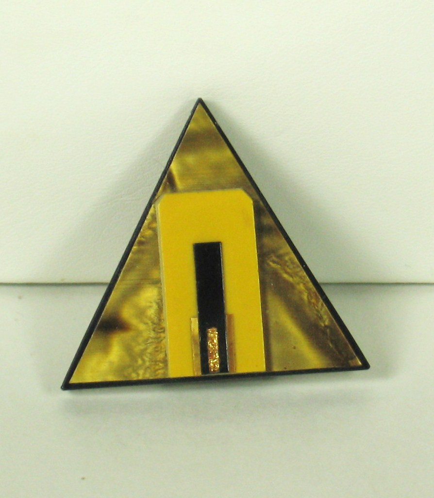 Vintage Geometric Triangle Marbled Plastic Dress Clip
