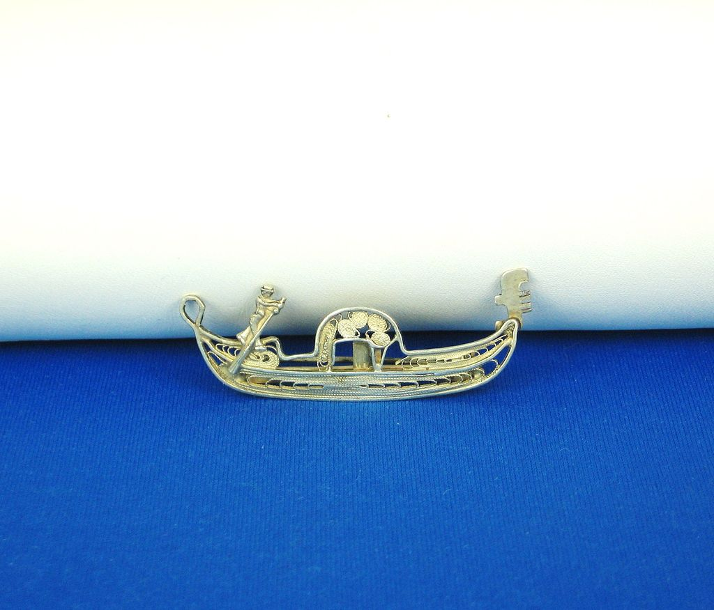Vintage Venice Canal Boat and Sailor Pin