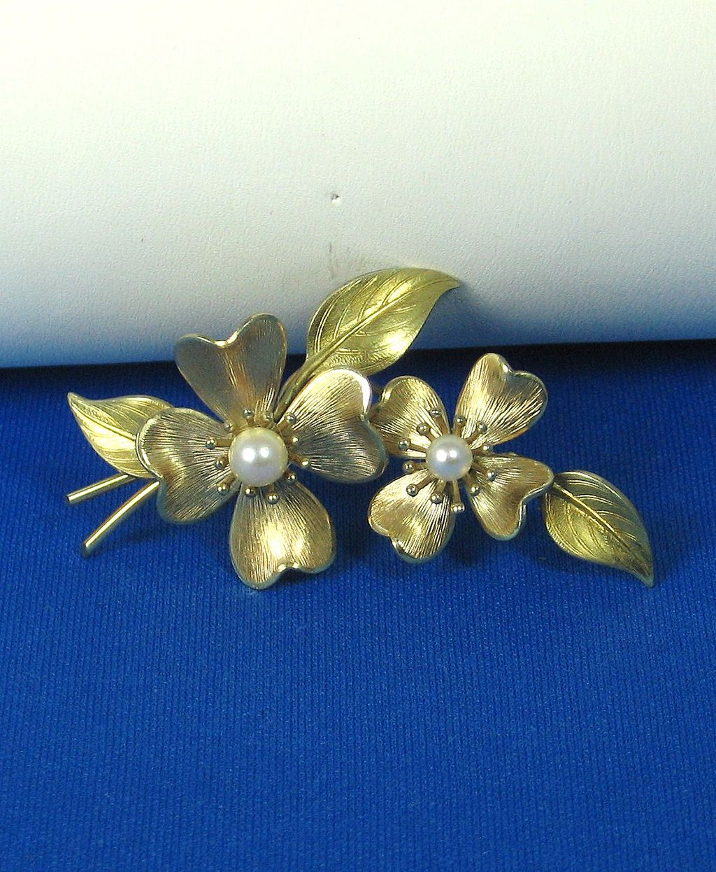 Krementz Gold Plated Metal and Cultured Pearl Floral Pin