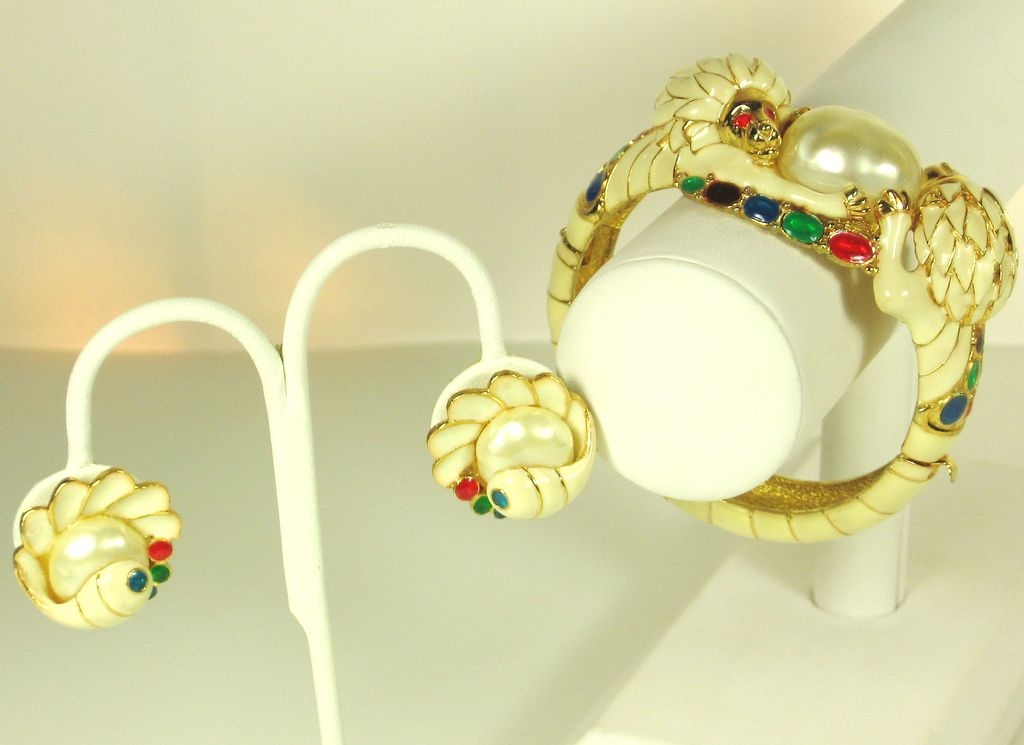 Hattie Carnegie White Enamel and Imitation Pearl Lion Bracelet and Earrings