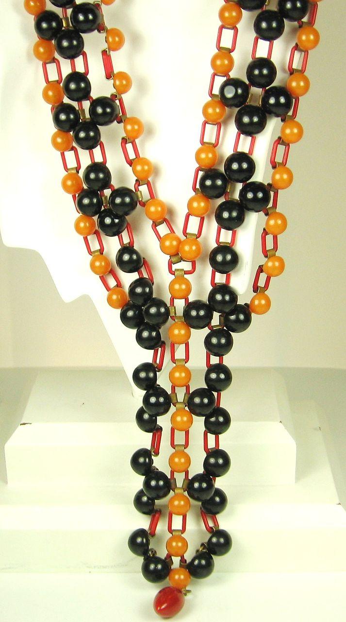 1930s Art Deco Yellow and Black Bakelite Bead Necklace