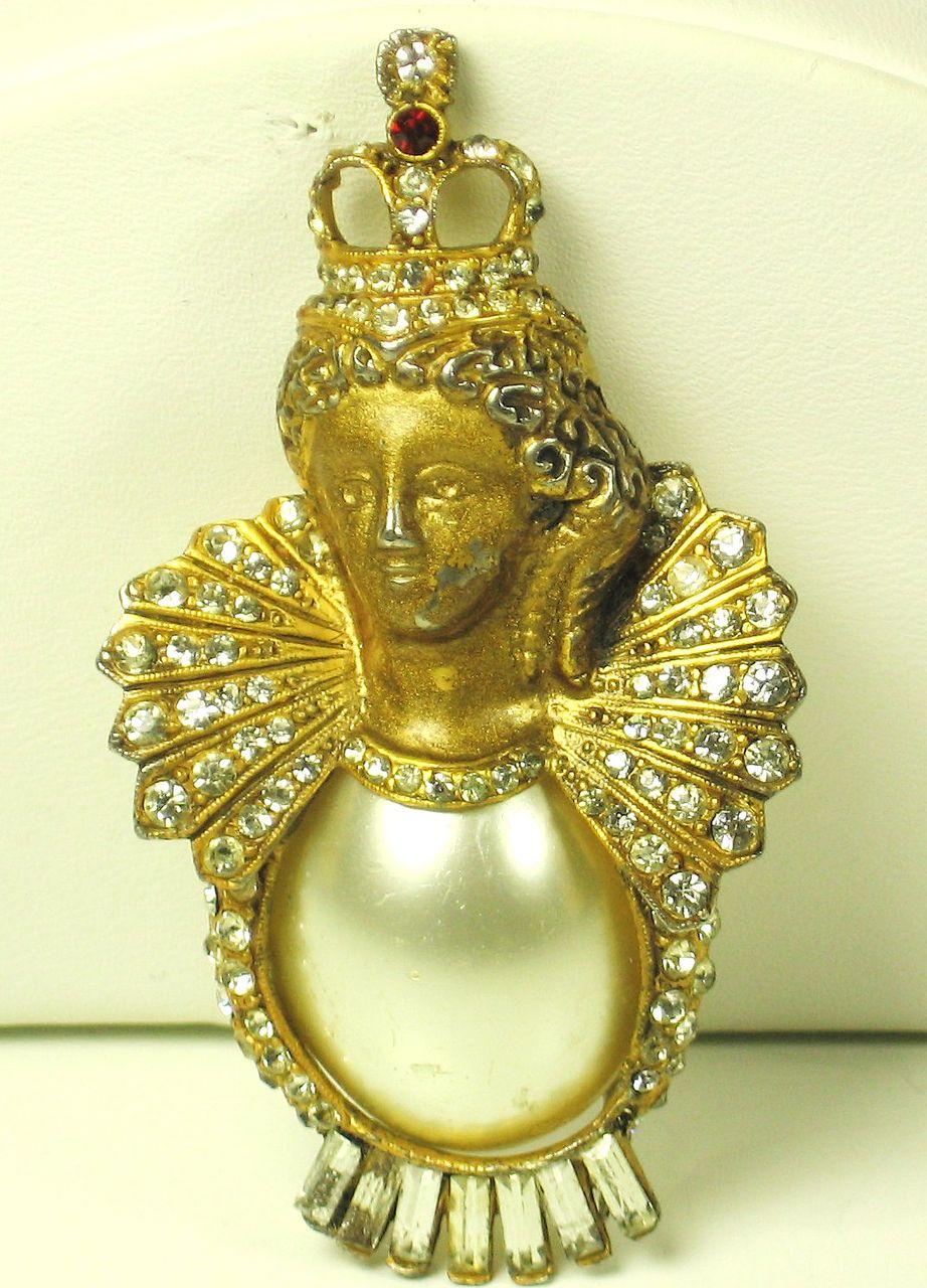 "Vintage ""HC"" Hattie Carnegie Rare 1940s Queen Isabella Fur Clip with Imitation Pearl"