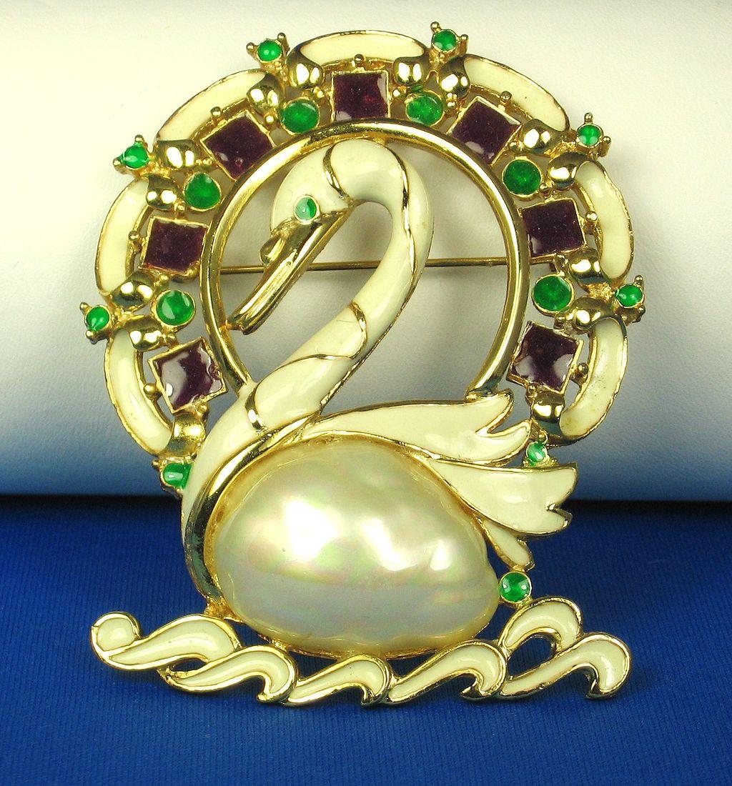 Hattie Carnegie Enamel and Imitation Pearl Swimming Swan Pin