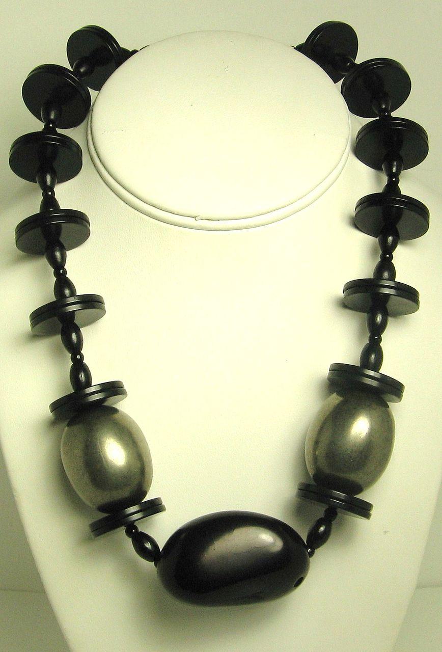 1950s Hattie Carnegie Black Lucite Disc Necklace