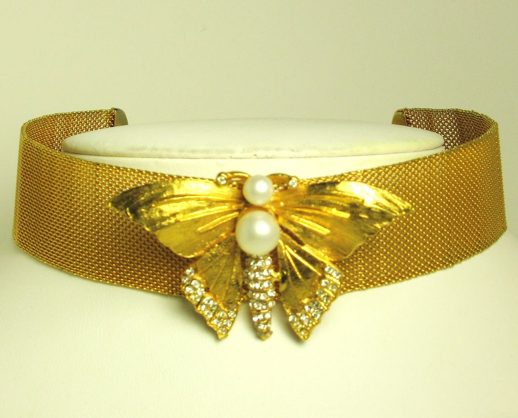 Hattie Carnegie Imitation Pearl Butterfly Choker Necklace
