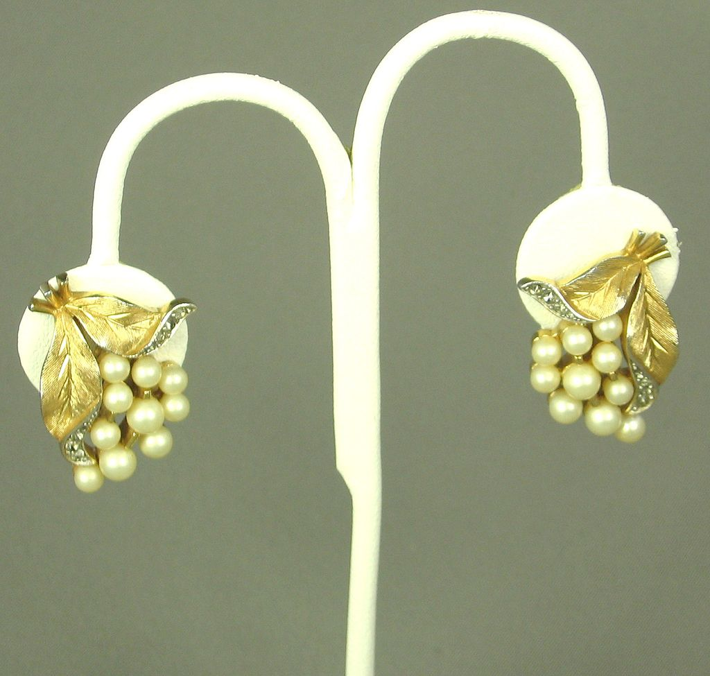 Vintage Trifari Imitation Pearl Floral Leaf Earrings