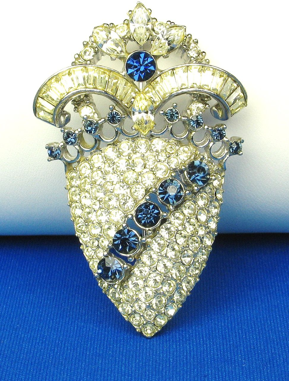 Hattie Carnegie Rhodium Plated Metal and Rhinestone Pin
