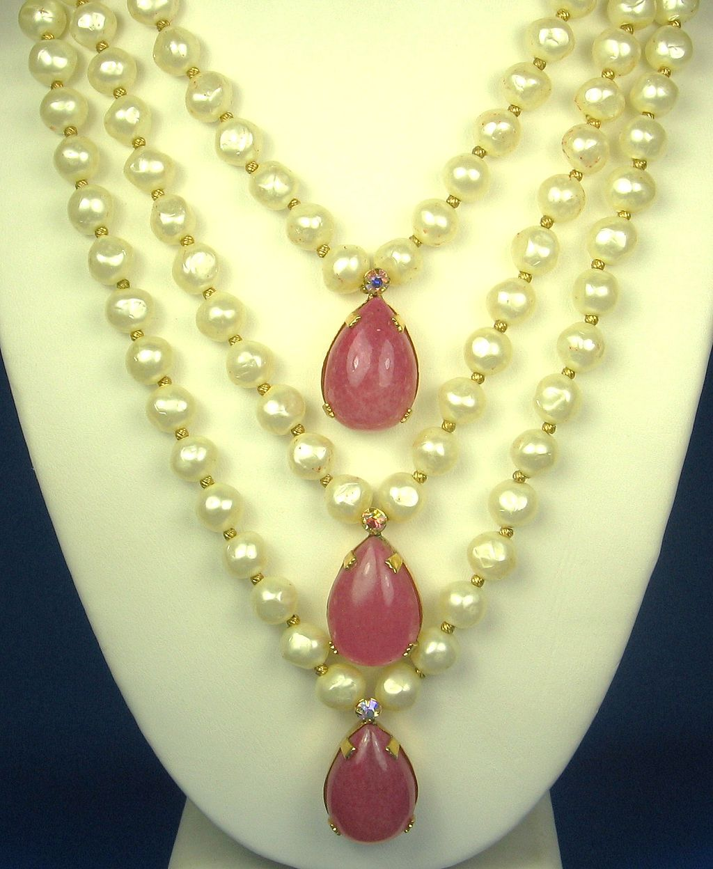 Hattie Carnegie Imitation Pearl and Pink Glass Necklace