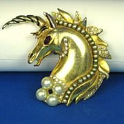 Hattie Carnegie H.C. Enamel and Imitation Pearl Unicorn Fur Clip