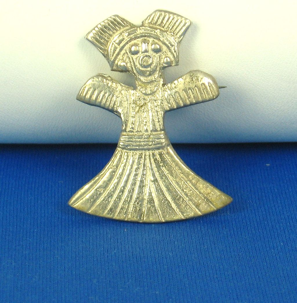 Vintage Tipicol D.P.E. Pot Metal Doll Brooch