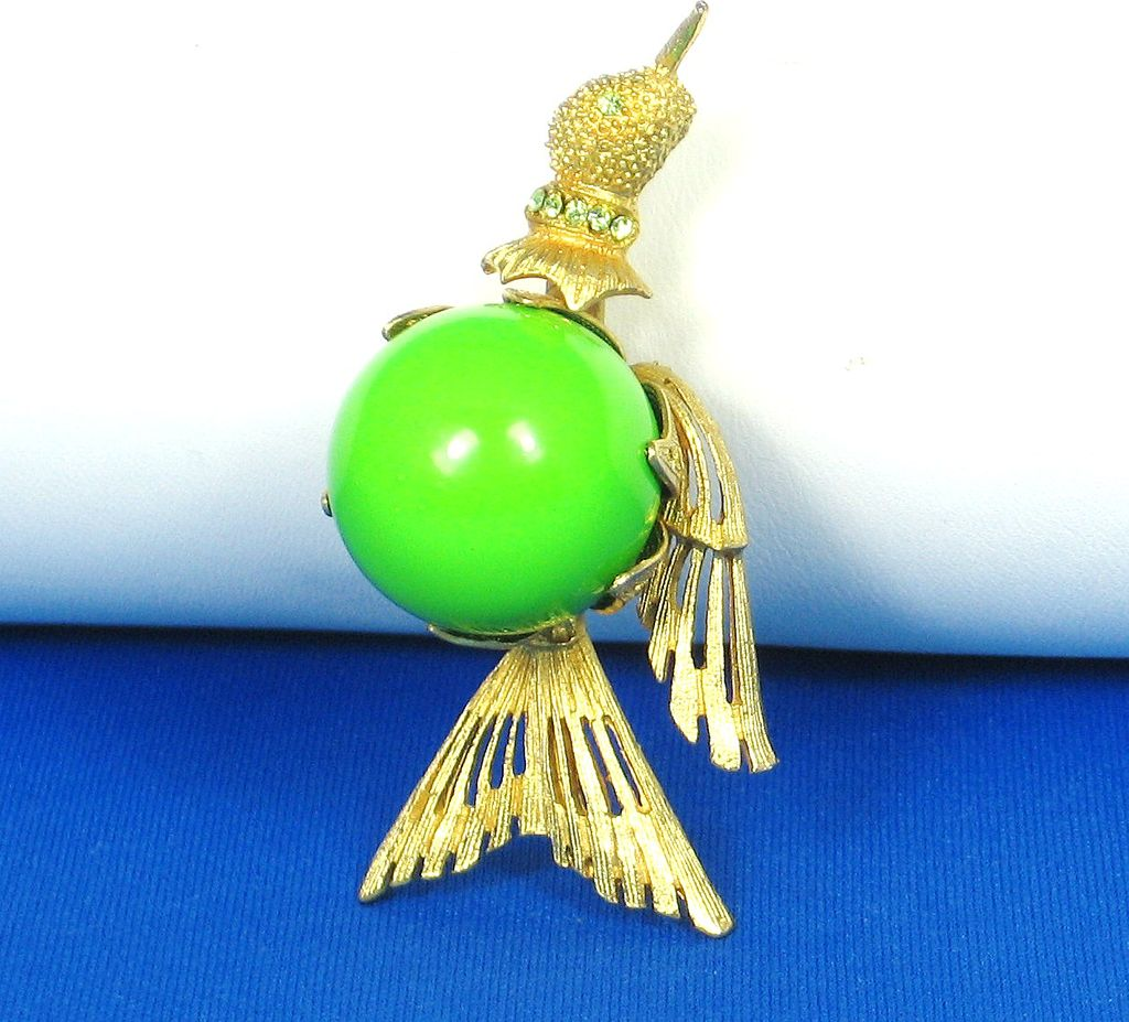 Hattie Carnegie Flying Bird Holding Green Plastic Ball Pin