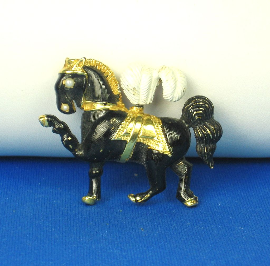 Hattie Carnegie Black Enamel and Imitation Pearl Horse Pin