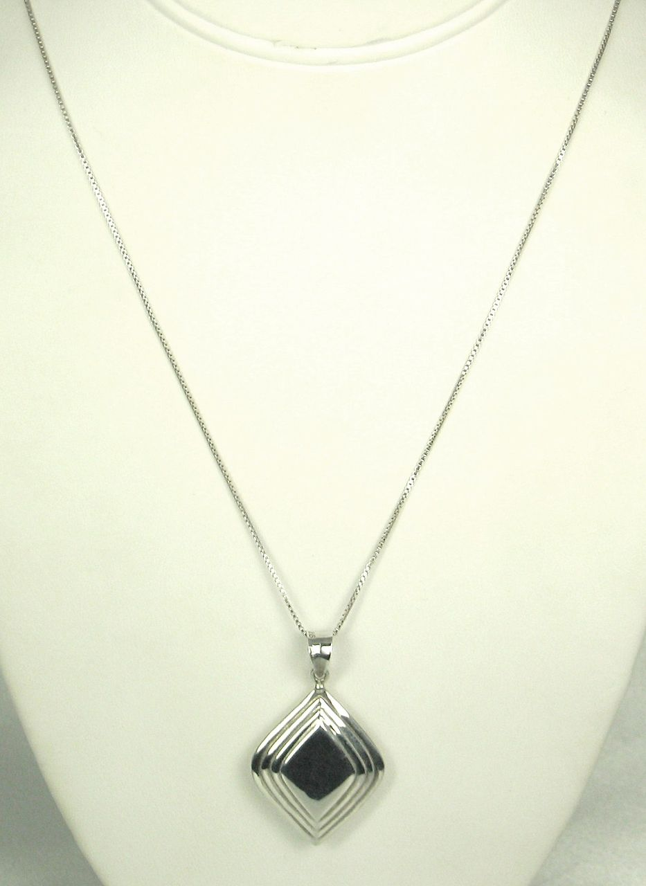925 Sterling Diamond Shaped Pendant and Cable Chain Necklace