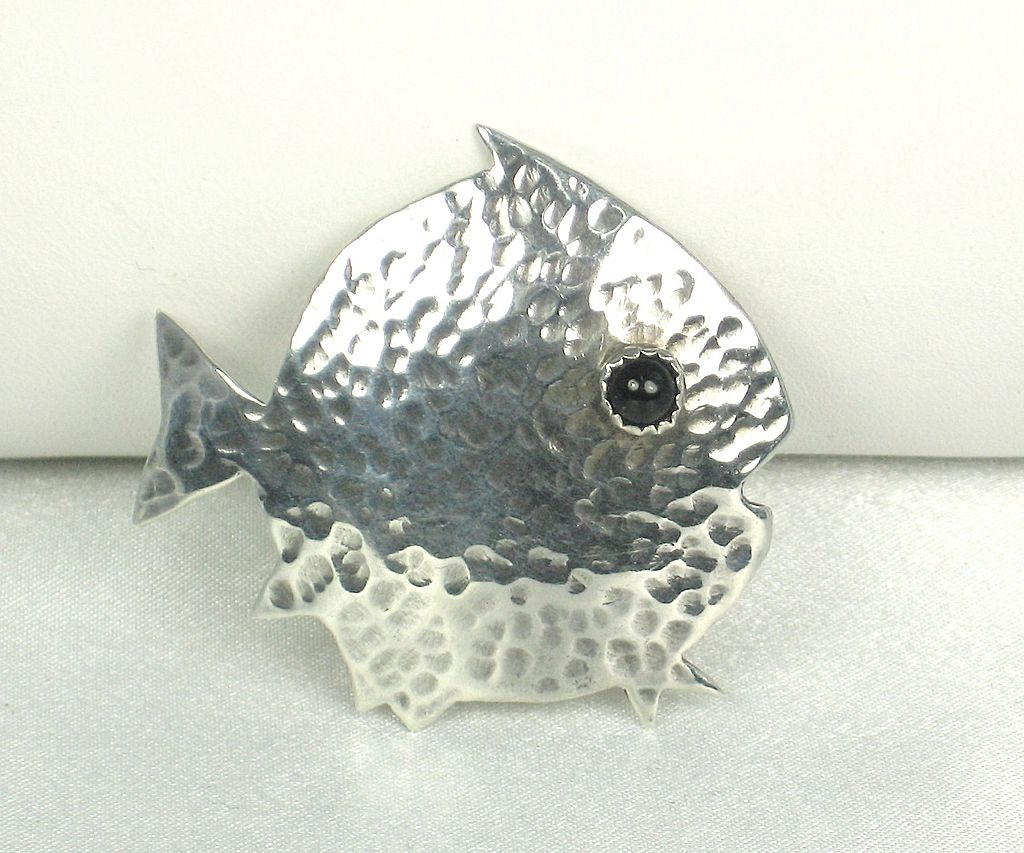 Vintage 925 Sterling and Black Gem Fish Pin