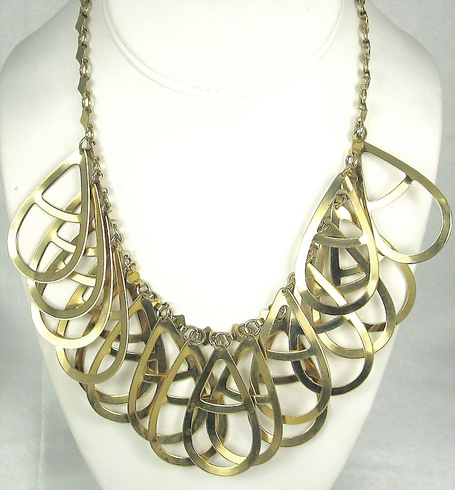 Vintage Gold Tone Metal Tear Shaped Dangle Necklace