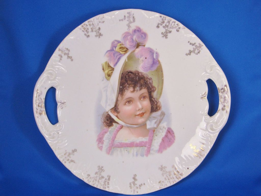 Victoria Carlsbad Austria Porcelain Bonnet Girl Plate