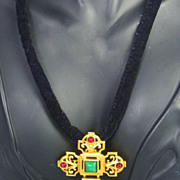 Elizabeth Taylor Avon SMALL Katharina Cross Pendant Pin Necklace with Imitation Pearls