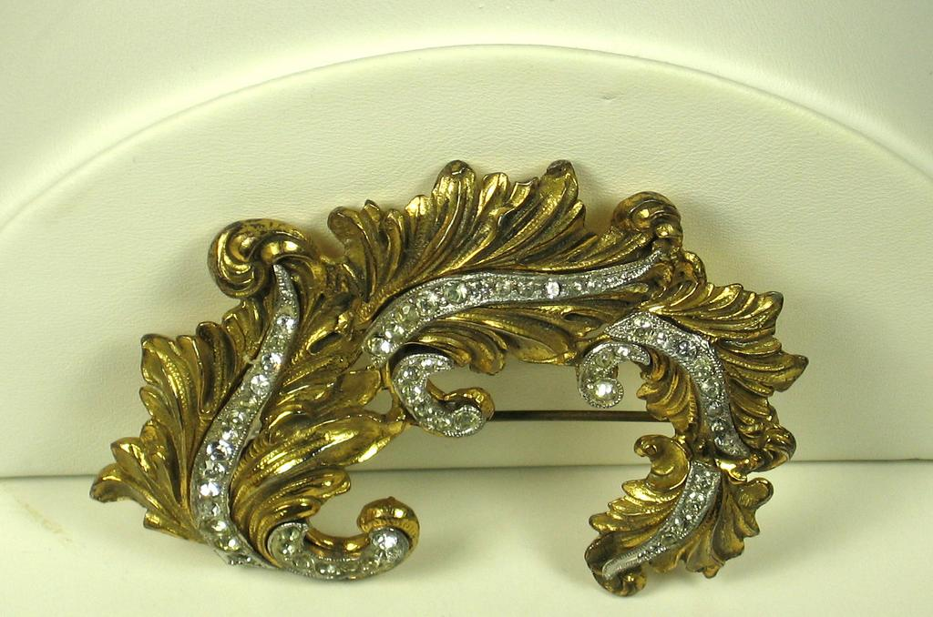 McClelland Barclay Leaf Brooch Pin