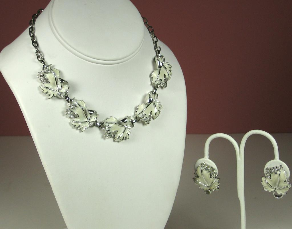 Sarah Coventry White Enamel Floral Necklace and Earrings