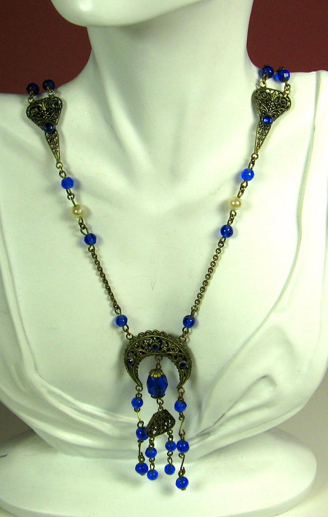 Blue Glass and Gold Plated Brass Metal Necklace with Imitation Pearls